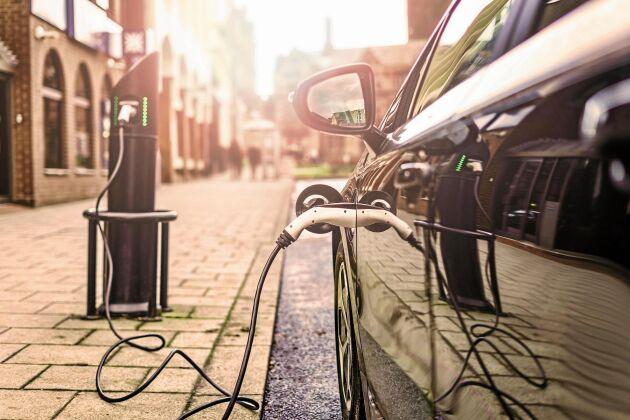 Antalet elbilar har på bara två år ökat med över 50 procent i Sverige.