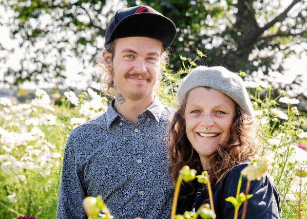 """Emelye och Danne: """"Vi får minst tre skördar per säsong på vår villatomt"""""""