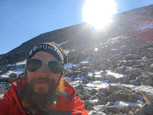 Lunchrast under klättringen uppför Kebnekaise. Foto: Privat