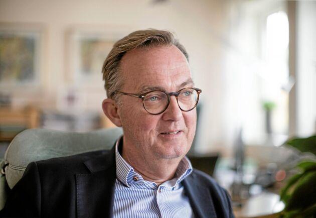 """""""Man har växt lite för fort så att ekonomin inte hunnit med, och riskerar att åka ur damallsvenskan för den sakens skull, och det tycker jag är fruktansvärt onödigt"""", säger Santhe Dahl till SVT Nyheter."""