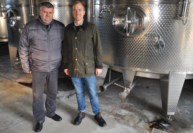 Studiebesök. Palinkaproducenten Zoltan Bolyhos och Carl-Axel Andersson från LRF Konsult.