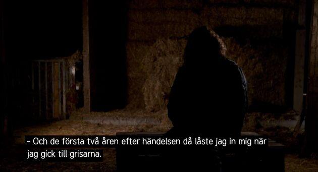 Ulrika, grisbonde, vittnar anonymt i Efterlyst om den otrygghet hon känner efter att hennes 4-åring grävde fram en död smågris i sandlådan.