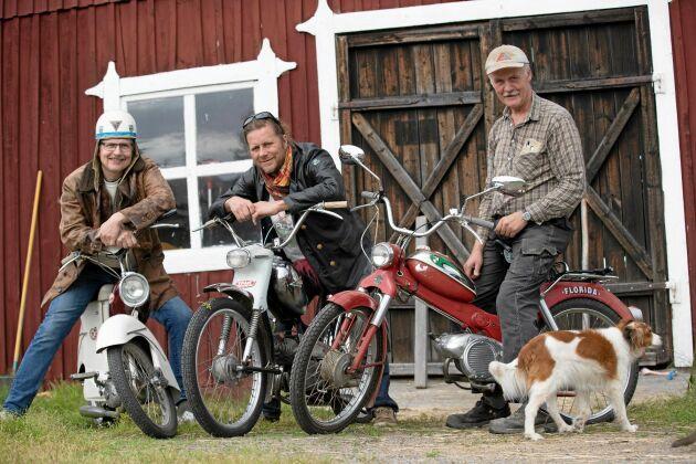 Trio som älskar retromoppar. Från vänster: Jan Kjerrulf, Reine Karlsson och Leif Olofsson.