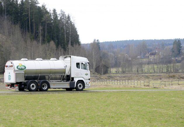 Arlas a contopris höjs med 2,58 öre per kilo för både ekologisk och konventionell mjölk i april.