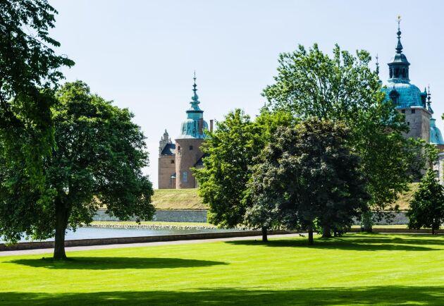 Kalmar med sitt berömda slott bevisar återigen att staden är en svensk sommarfavorit. Foto: Mostphotos