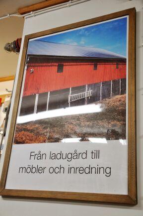 Bild på den gamla ladan vars virke lade grunden till Bengts och Erics unika snickeriföretag.