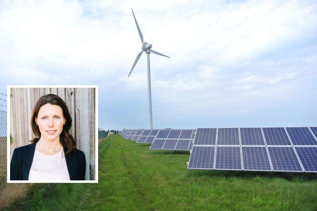 Förhoppningen är att solcellsanläggningen och vindkraftverket ska räcka för att producera all el som behövs i Simris, säger Stina Albing på Eon.