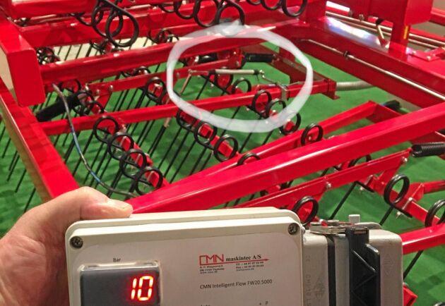 CMN har gjort en automatik som håller pinnvinkeln konstant med hjälp av givaren i den vita ringen.