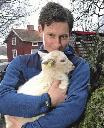 """Oscar Fjärrstrand söker kärleken i årets omgång av """"Bonde söker fru"""" i TV4 2019."""
