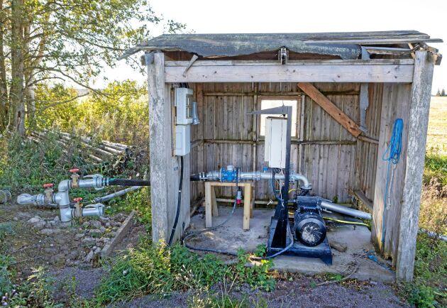 Tack vare pumpen har vallar och bete kunnat bevattnas.