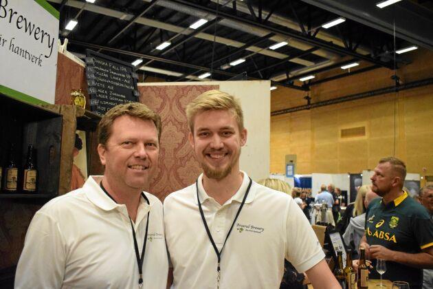 Oskar Gybäck är en av Sveriges yngsta bryggeriägare när han driver Breared Brewery tillsammans med pappa Anders.