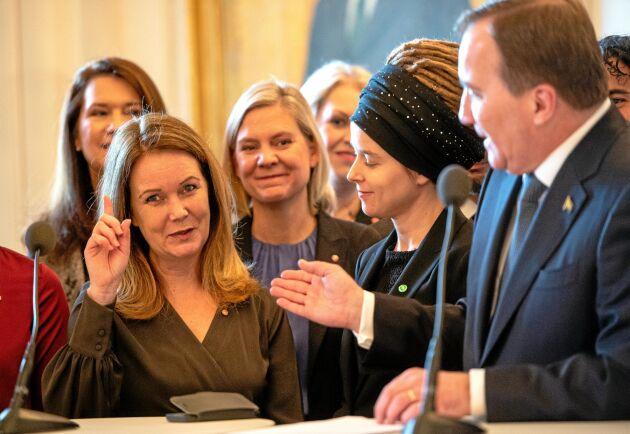 Nya landsbygdsministern Jennie Nilsson (S) presenterar sig.