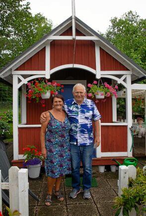 """Maria och Mijo Majic, 72 respektive 81 år, har odlat på Kulbacken i nästan 50 år. """"Vi har varit här väldigt mycket, speciellt sedan vi blev pensionärer"""", berättar de."""