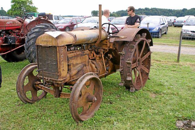 Principen för Fordsons traktorer var att motor, växellåds- och bakaxelhus byggdes samman till en självbärande enhet. Det inspirerade även svenska Munktells att ta efter konceptet.