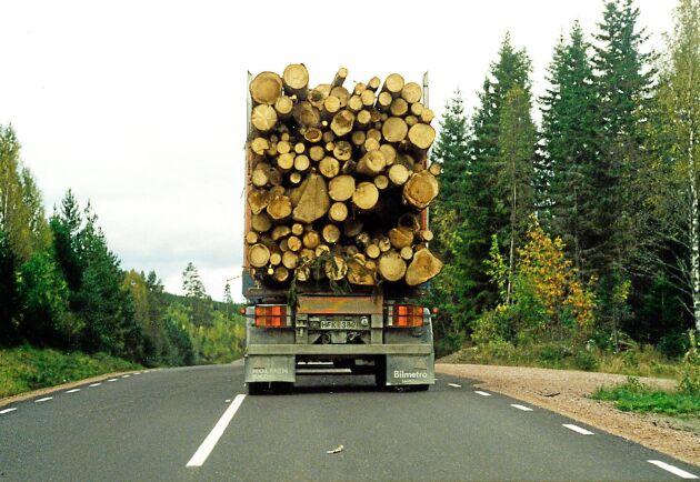 Endast 17 procent av den totala väglängden i 13 län klarar den nya maxvikten.