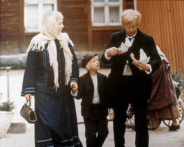 Emil med mamma Alma och pappa Anton.