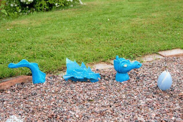 DRAKSÅDD. Är drakarna på väg att etablera sig i trädgårdarna kring Siljan? Den här dök upp i Silva Thorsdotters trädgård i Siljansnäs.