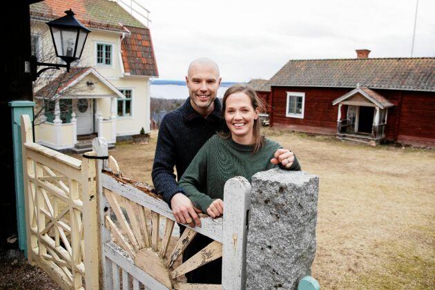 Utsikten lockade när Torbjörn Forslund och Anna Rönnow köpte Börsgården i Altsarbyn, nära Rättvik.