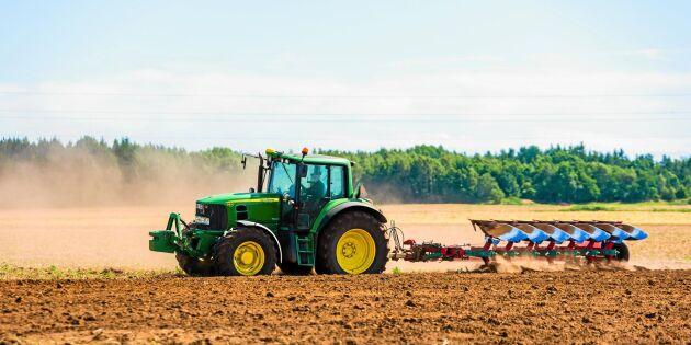 Så slipper du ryggvärken i traktorn – experten tipsar