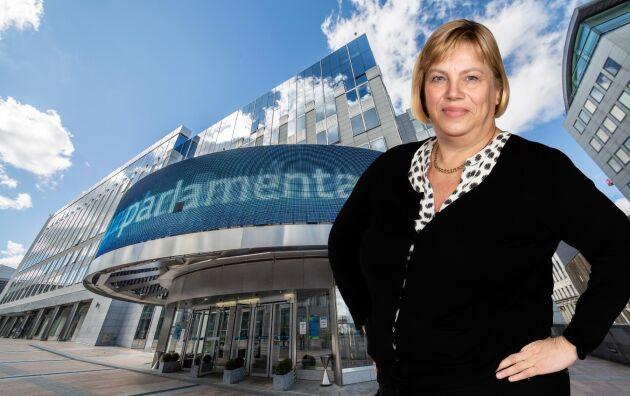 Lena Johansson, politisk chefredaktör, skriver ledare i Land Lantbruk.