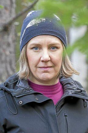Miljöminister Karolina Skog planerar för nya bytesaffärer i skogen.