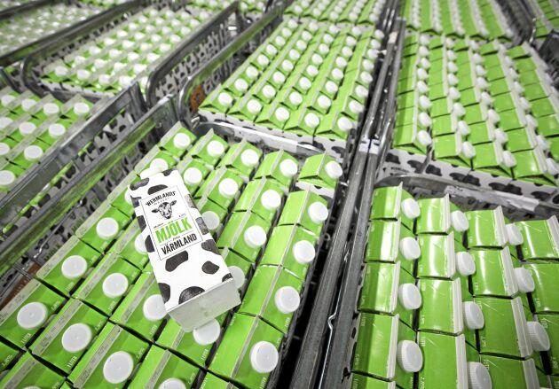 Framgången för Värmlandsmjölken fortsätter. Investeringar i produktionstankar, förpackningsmaskin och större kyl gör att leveranserna kommer att kunna öka i takt med efterfrågan.