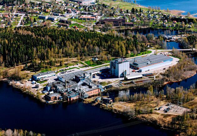 I Åmotfors finns produktionskapacitet på 56000 ton kraftpapper.