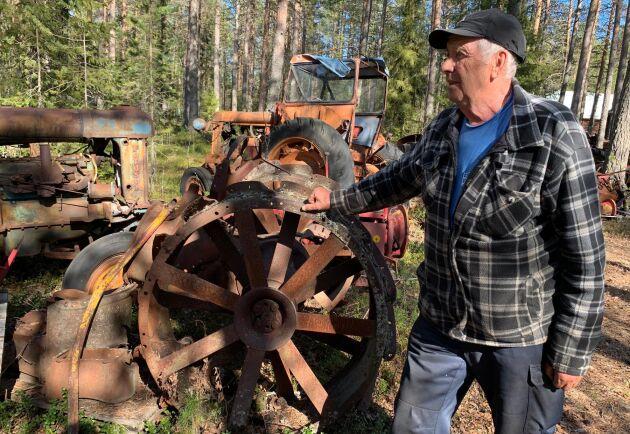 Holger Larsson har samlat på traktorer i mer än 60 år men ska nu göra sig av med drygt halva samlingen.