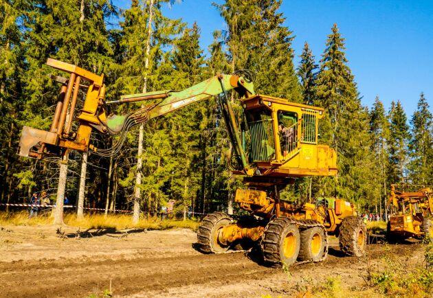 Den stora fällare/läggaren ÖSA 670 är en fantastisk maskin som regerade i skogen under 5–10 år.