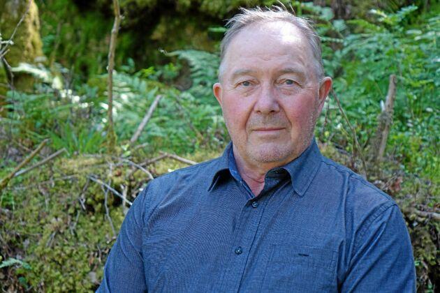 Kjell Olof Carlsson driver lant- och skogsbruk på gården Dala Skogsbacka i Istorp.