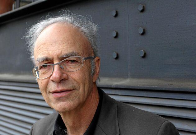 Den australiska filosofen Peter Singers bok Djurens frigörelse kom 1975 och har kallats djurrättsrörelsens bibel.