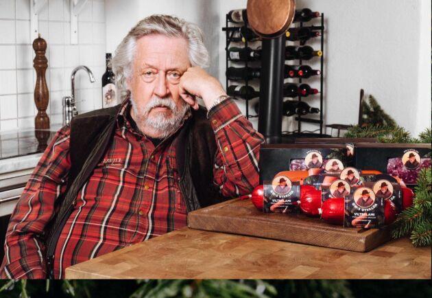 Leif GW Persson är en av de större delägarna i Svenskt Gårdsvilt. Hans ansikte finns även med på alla produkter.