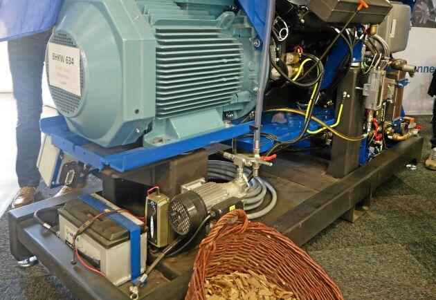 En Deutzmotor omvandlar gasen till el.