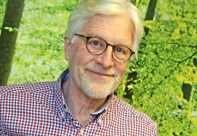 Mikko Kara, energikonsult och professor, har räknat på omvandling av ved till diesel under sju år. Och det slutar alltid med ett stort minus.