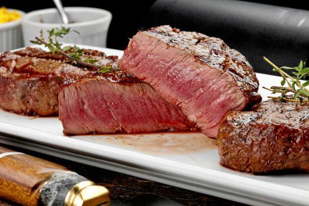 Nötkött från Sydamerika bidrar till ökad resistens då mycket antibiotika används i djuruppfödningen.