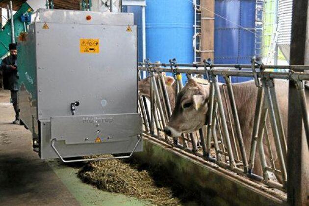 Free Stall Feeder WIC. Är en automatisk utfodringsvagn med utvecklad styrning som gör det möjligt att styra och optimera utfodringen på ett nytt sätt. Fodervagnen kan styras från smartphone eller läsplatta. Ingredienser och volymer kan planeras för varje enskild djurgrupp. Leverantör: GEA Farm Technologies Mullerup A/S.