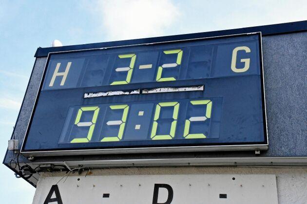 Slutresultatet 3-2 mot Nässjö i våras innebar att Frillesås BK klarade sig kvar i elitserien. Siffrorna står kvar än i dag på resultattavlan.