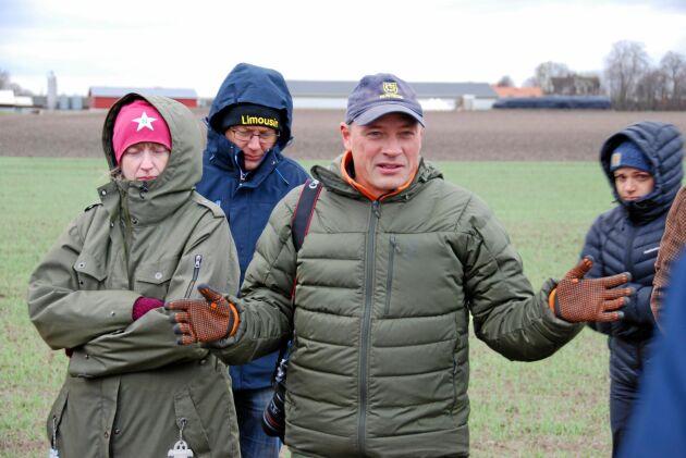 """""""Den enskilde lantbrukaren har ofta koll på var erosionen till vattendragen kan riskera att ske. Det är där stöten ska sättas in vad gäller skyddszoner"""", säger Rikard Andersson, ogräsexpert på Jordbruksverket,"""