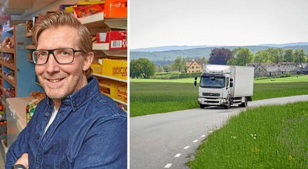 Magnus Svensson med sin rullande lanthandel som servar landsbygden i södra Sverige.