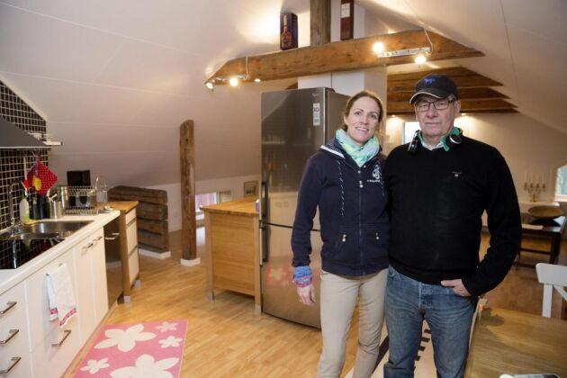 Thomas och Anna-Mia björk driver bo på lantgård på Jädra gård utanför Enköping. De tror att en flyktingfamilj skulle få en bättre start hos dem än på en flyktingförläggning.