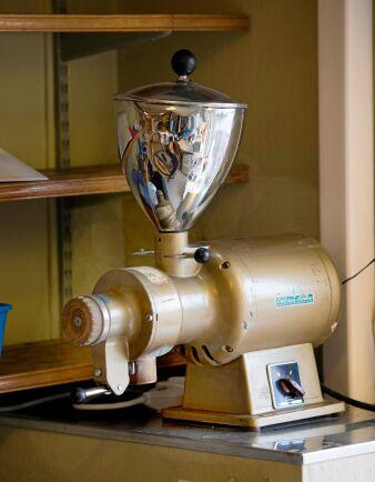 Den gamla kaffekvarnen kommer till användning igen.