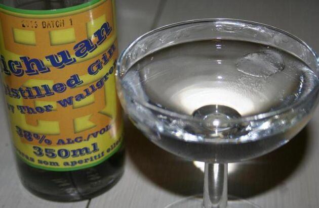 Den hälleforska ginen får smak av enbär och - sichuanpeppar.