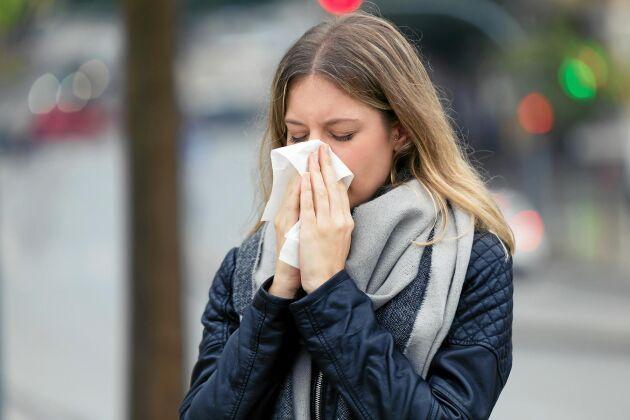 Se upp med vaga, smygande symtom som ont i kroppen och hosta. Det kan vara corona-virus som smittar vidare till andra.