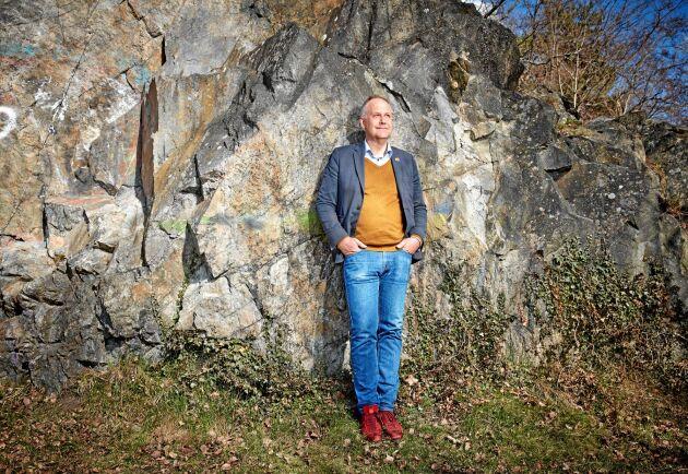 Vänsterpartiets ledare Jonas Sjöstedt kopplar ofta av i naturen kring Vinterviken i södra Stockholm. Hit går han ibland när det är långa telefonmöten i verkställande utskottet.
