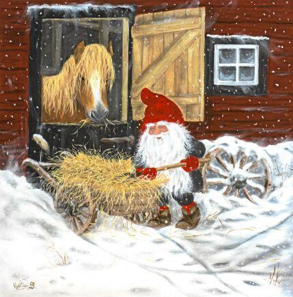 Fint julkortsmotiv med tomten som ger hästen lite extra gott julhö i stallet.