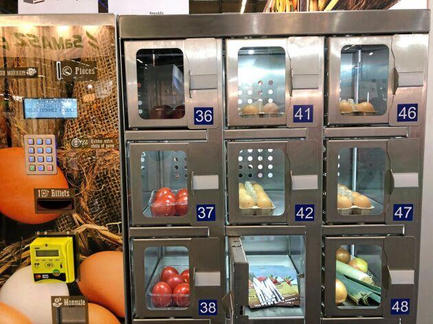 Automaterna kostar från 50 000 kronor. Men då kan svenska kunder troligtvis pruta bort mynt och sedelfunktionen eftersom allt fler ändå inte använder kontanter.